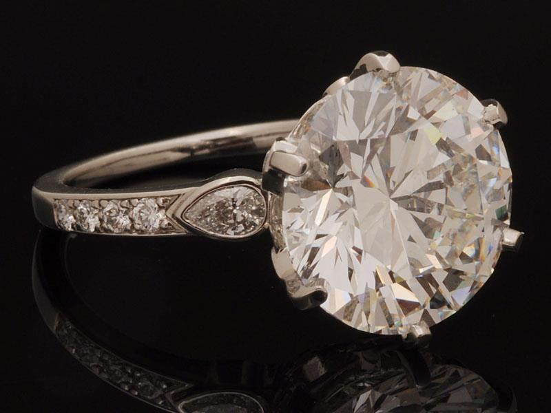 denver diamond buyer specializes in purchasing large carat diamond rings bespoke wedding rings and estate jewelry from the worlds finest luxury brands - Used Wedding Rings